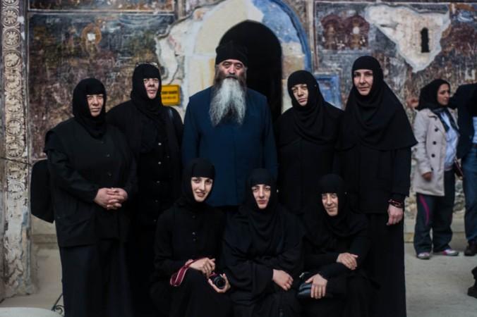 Membros da Igreja Ortodoxa da Geórgia no Monastério de Sümela