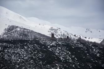 Torres e paisagens nevadas